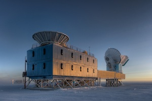 The Dark Sector Lab (DSL), located 3/4 of a mile from the Geographic South Pole, houses the BICEP2 telescope (left) and the South Pole Telescope (right). (Steffen Richter, Harvard University)