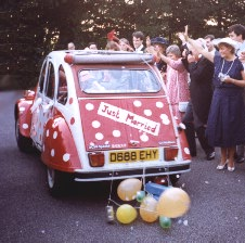 Just married: Decorated wedding car