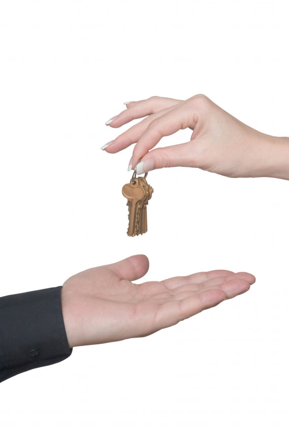 house keys changing hands