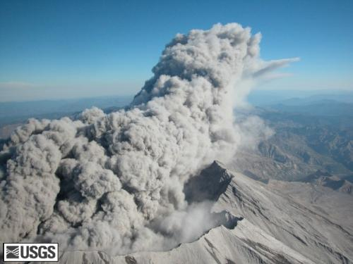 Aerial view of Mount St. Helens' crater rim and plume on 5 October 2004. <font size=-1>Photograph courtesy of USGS</font>